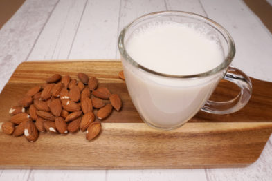 Pflanzliche Milch Mandelmilch